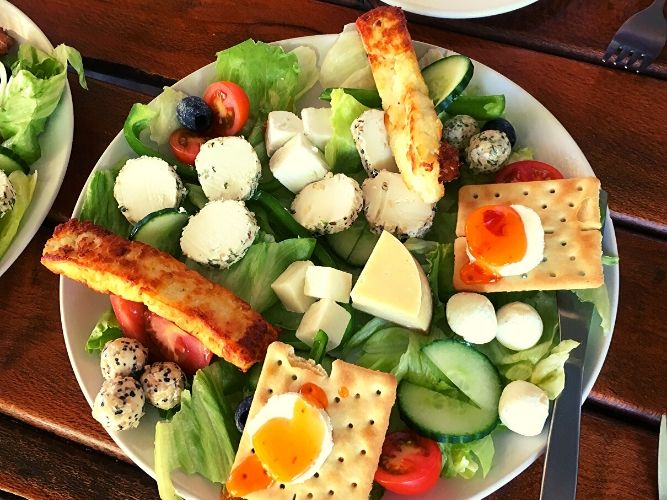 Locally made Cheeses - Cheese Lunch Platter