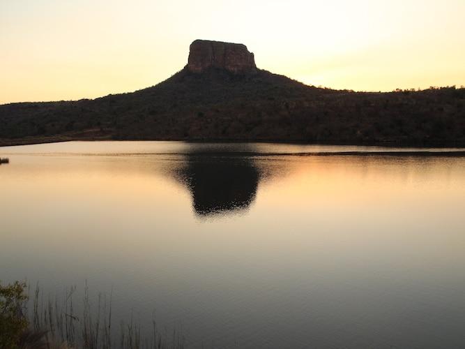 Safari lake